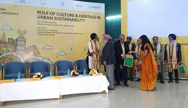CONFERENCE IHCN, BHUBANESWAR 2018 Role of Heritage in Urban Sustainability